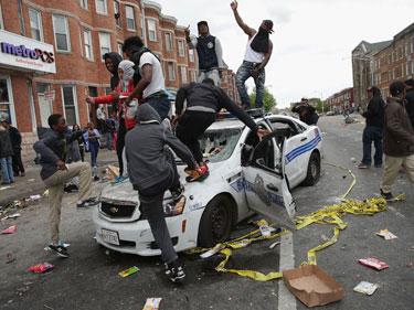 BaltimoreRiot1
