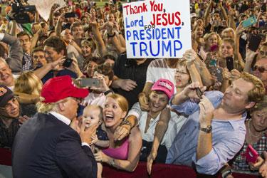 TrumpCampaigning